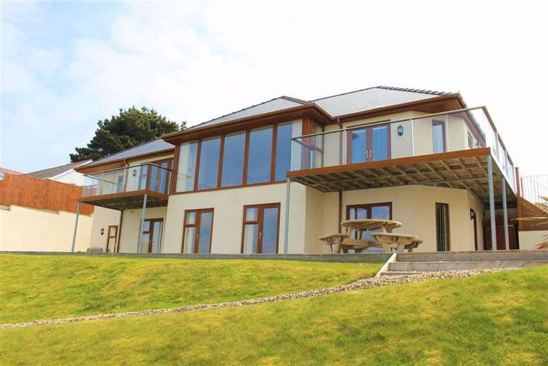 5 Bedrooms Detached House for sale in Richmond Road, Pembroke Dock