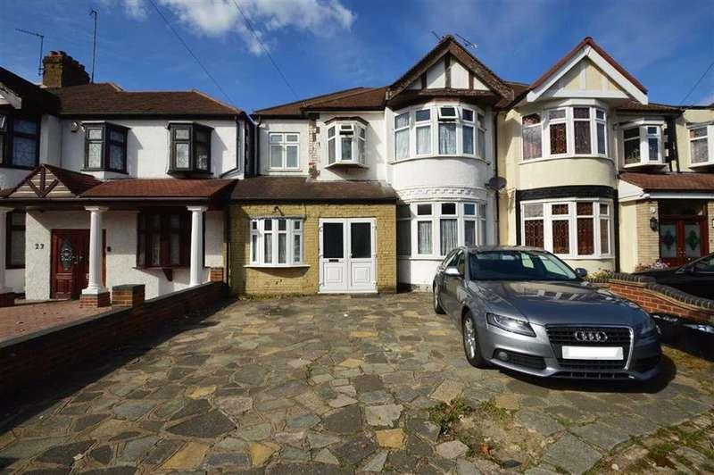 4 Bedrooms Semi Detached House for sale in Stradbroke Grove, Clayhall, Essex, IG5