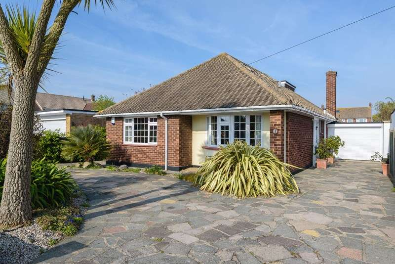 4 Bedrooms Detached Bungalow for sale in Prime Burges Estate, Thorpe Bay