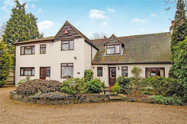 6 Bedrooms Detached House for sale in Frimley Road, Ash Vale, Surrey
