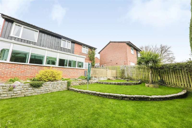 5 Bedrooms Detached House for sale in Greenham Wood, Bracknell, Berkshire, RG12