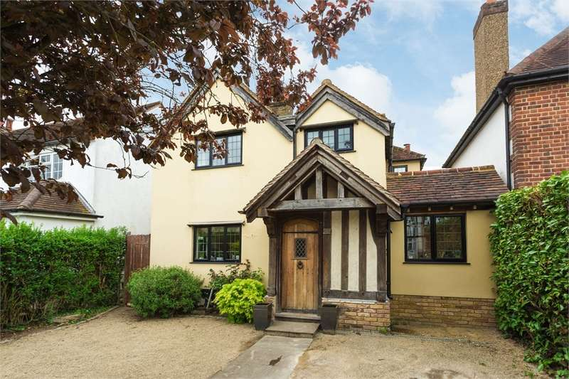4 Bedrooms Detached House for sale in Layters Avenue, Chalfont St Peter, Buckinghamshire