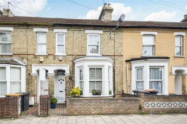 3 Bedrooms Terraced House for sale in Westbourne Road, Bedford