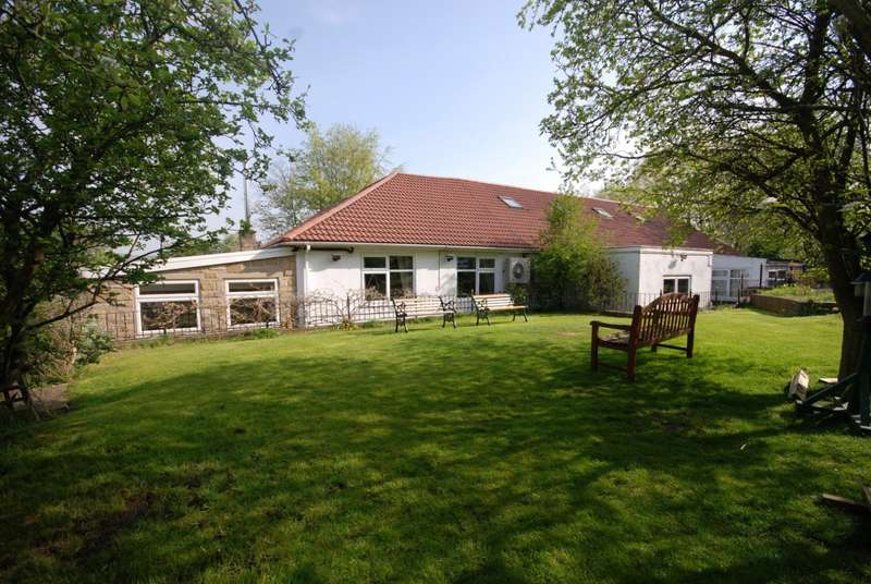 4 Bedrooms Bungalow for sale in Amron House Fountain Lane, Blaydon-On-Tyne