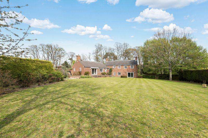 4 Bedrooms Detached House for sale in The Maples, Silsoe