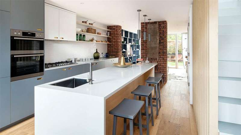 3 Bedrooms End Of Terrace House for sale in James Lane, Leytonstone, London, E10