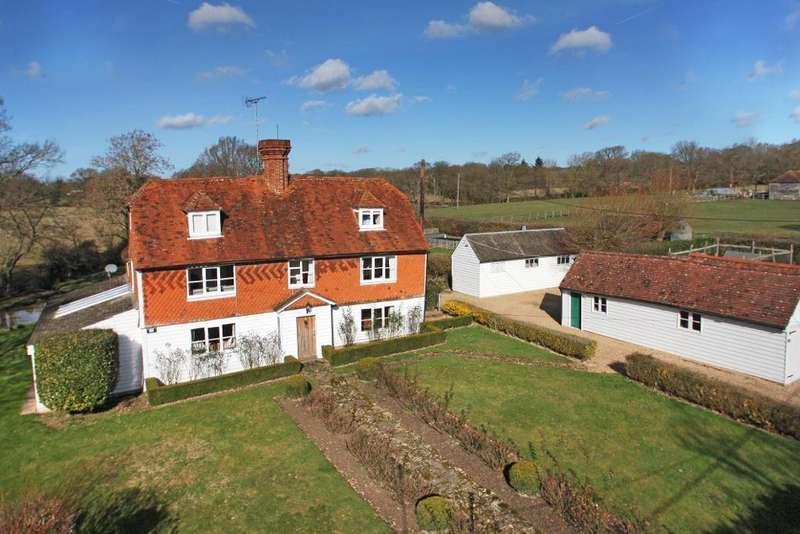 5 Bedrooms Detached House for sale in Romden Road, Smarden, Kent, TN27 8RB