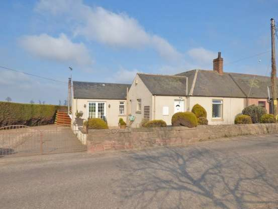 3 Bedrooms Cottage House for sale in Guttermill Cottage, Arbroath, Angus, DD11 4UP
