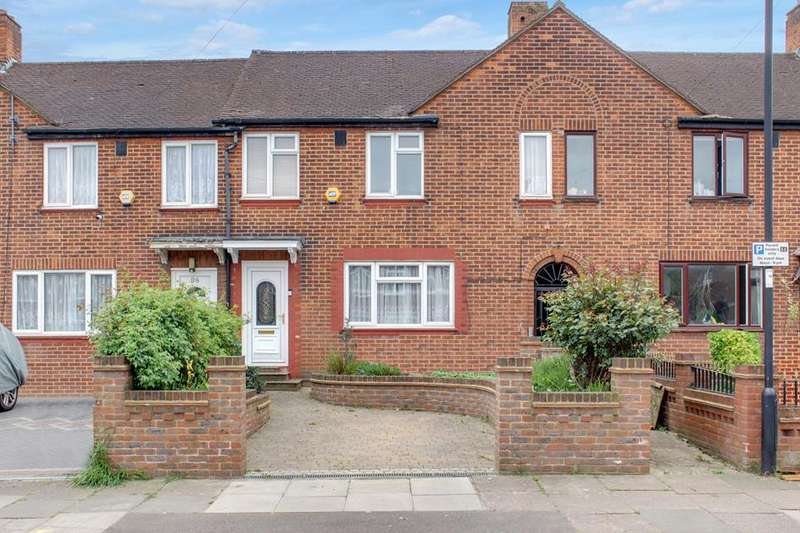 3 Bedrooms Terraced House for sale in Amersham Avenue, Edmonton, London, N18