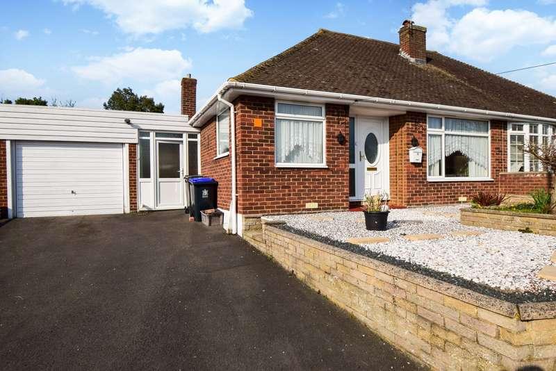 2 Bedrooms Bungalow for sale in Harkness Road, Burnham, Slough, SL1