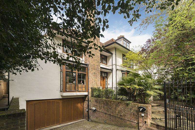 7 Bedrooms House for sale in Fitzroy Park, Highgate, N6