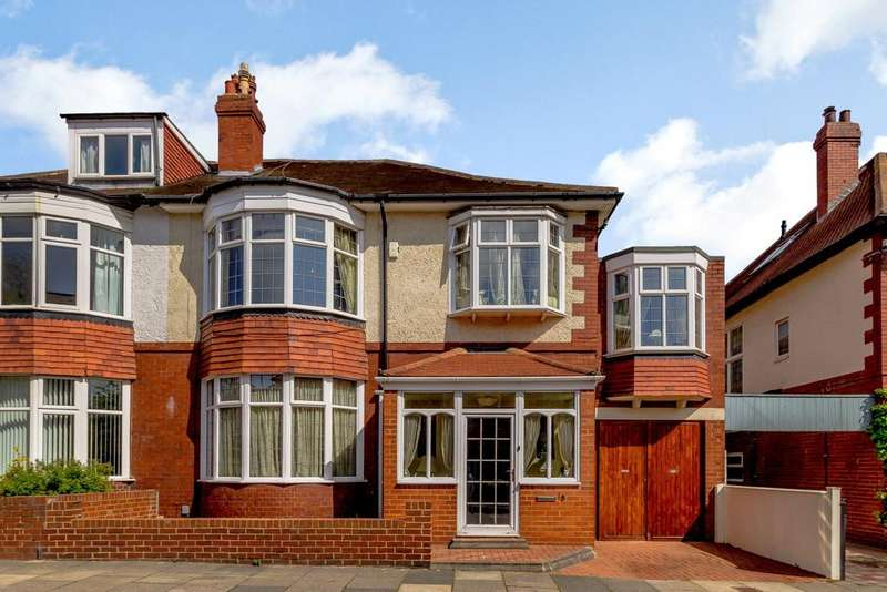 5 Bedrooms Semi Detached House for sale in Westfield Avenue, Gosforth, Newcastle Upon Tyne, Tyne And Wear