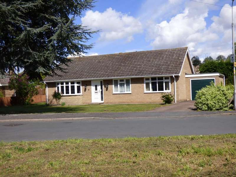 3 Bedrooms Detached Bungalow for sale in Churchill Drive, Spalding
