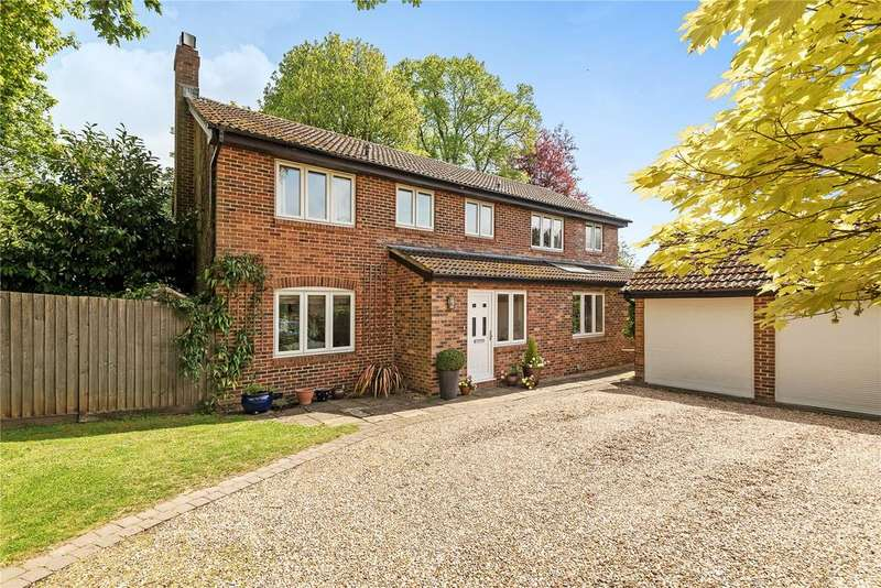 5 Bedrooms Detached House for sale in Hall Close, Bishops Waltham, Southampton, Hampshire, SO32