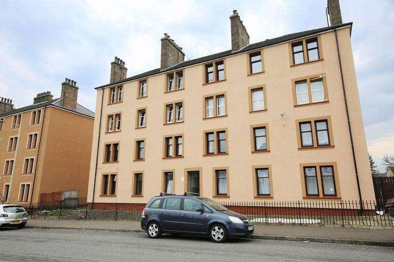 3 Bedrooms Flat for sale in Fairbairn Street, Dundee