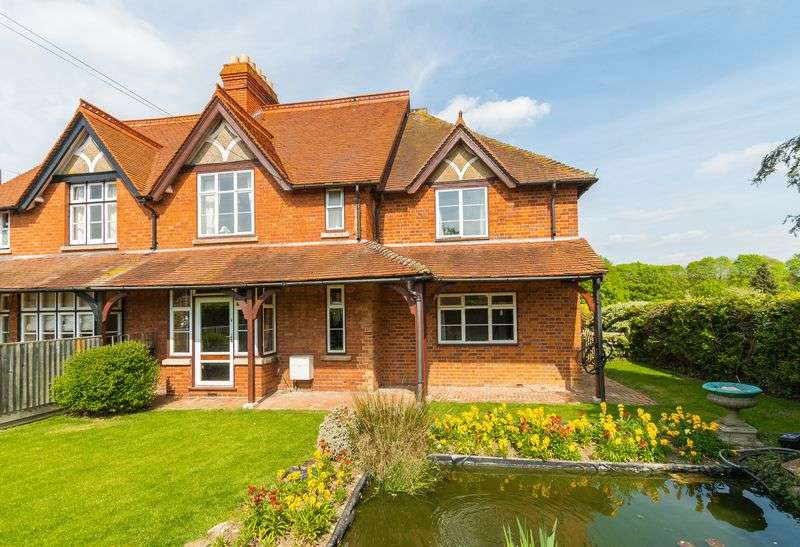 5 Bedrooms Property for sale in Henley Road, Sandford-On-Thames, Oxford