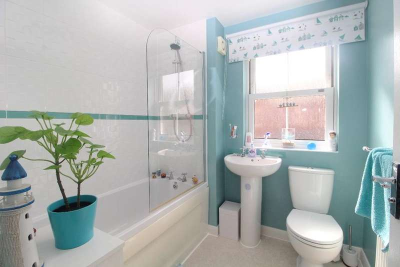 3 Bedrooms Semi Detached House for sale in Fieldfare View, Wixams, Bedfordshire, MK42