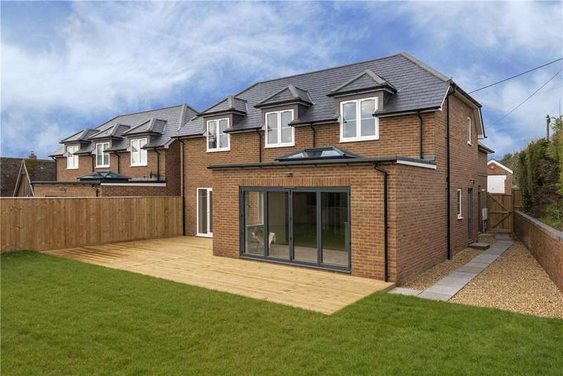 4 Bedrooms Detached House for sale in Chilton Foliat, Hungerford, Wiltshire, RG17