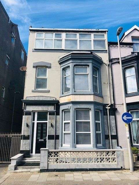 Flat for sale in Hull Rd, Blackpool, FY1