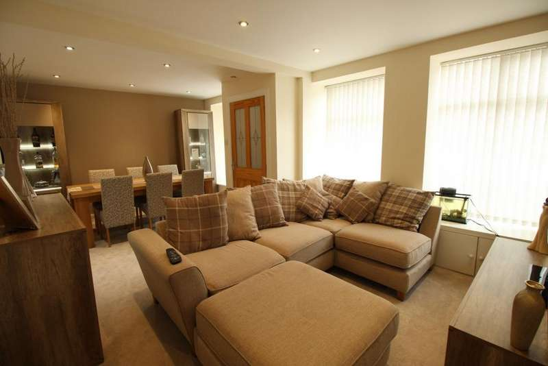 2 Bedrooms Flat for sale in High Street, Newburgh, KY14