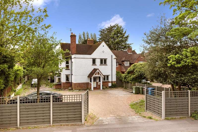 4 Bedrooms Detached House for sale in Datchet