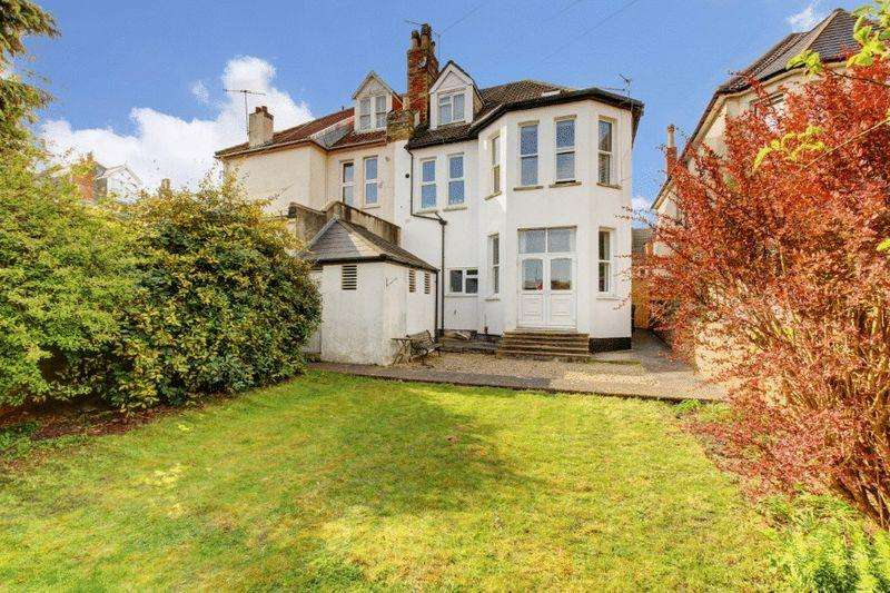 2 Bedrooms Apartment Flat for sale in Coldharbour Road, Redland