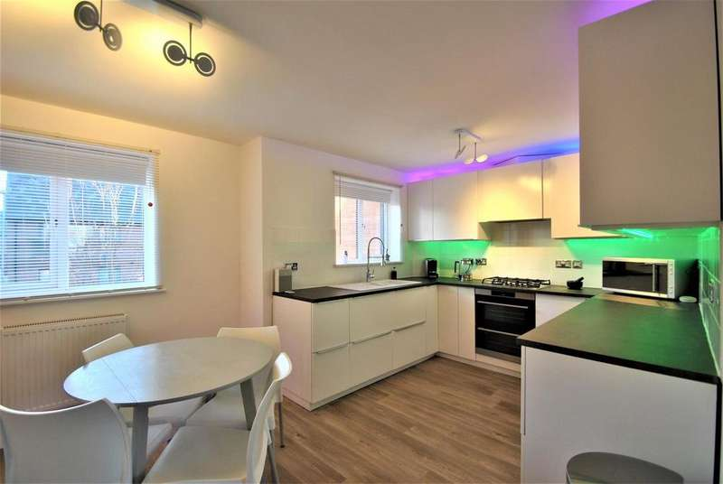3 Bedrooms Semi Detached House for sale in White Horse Lane, Boston