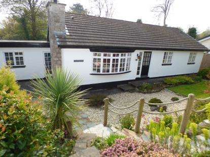 3 Bedrooms Bungalow for sale in Parc Tyddyn, Red Wharf Bay, Benllech, Anglesey, LL75