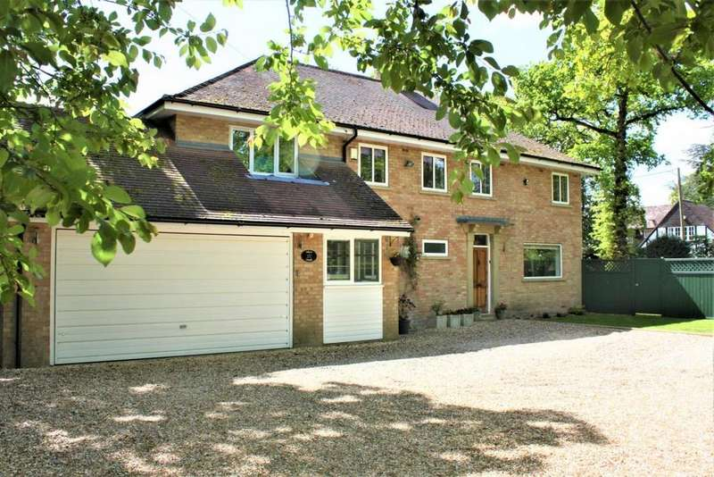 5 Bedrooms Detached House for sale in Loves Wood, Mortimer Common, RG7
