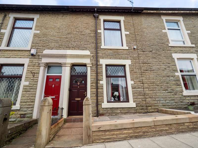 3 Bedrooms Terraced House for sale in Woodville Terrace, Darwen