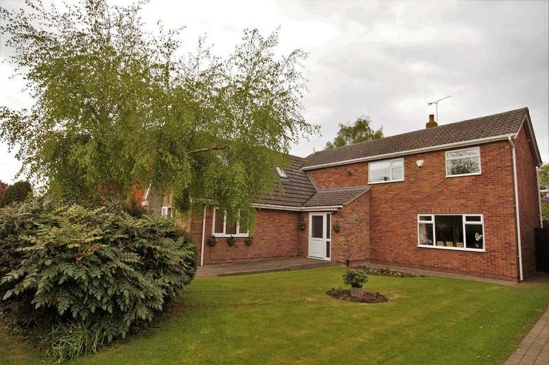 5 Bedrooms Detached House for sale in Church Road, Saxilby