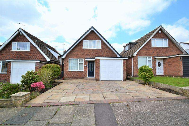 2 Bedrooms Detached House for sale in 2/3 bedroom detached house Lawnswood Park Road, Swinton, Manchester