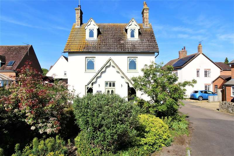 4 Bedrooms Detached House for sale in Near Town, Olney