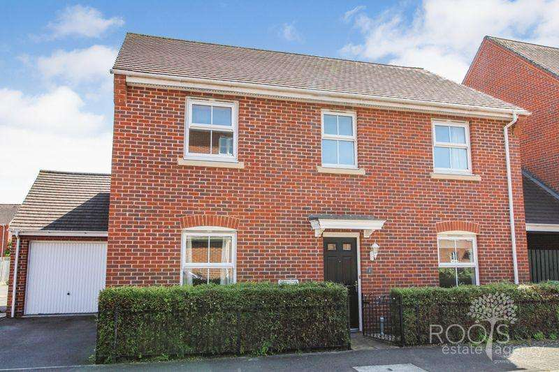 4 Bedrooms Detached House for sale in Coldstream Way, Thatcham