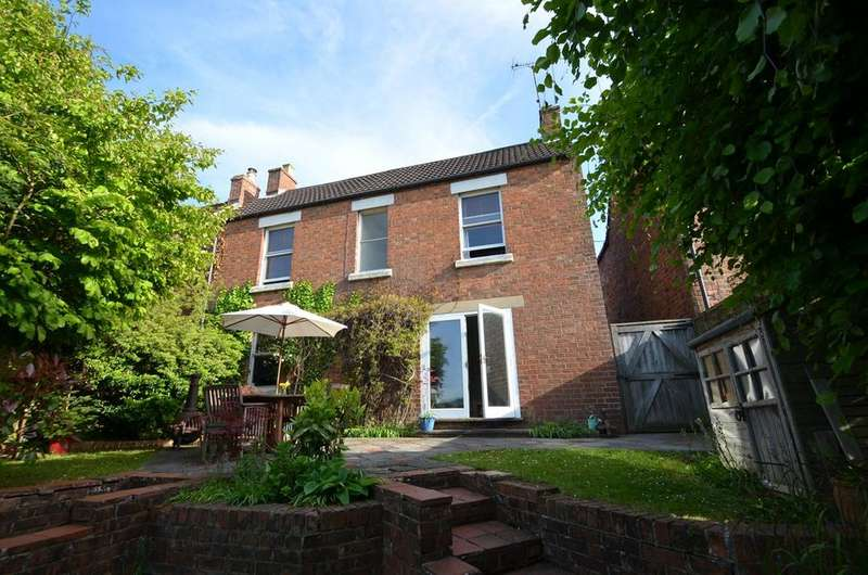 3 Bedrooms Detached House for sale in Spillmans Road, Rodborough, Stroud, GL5
