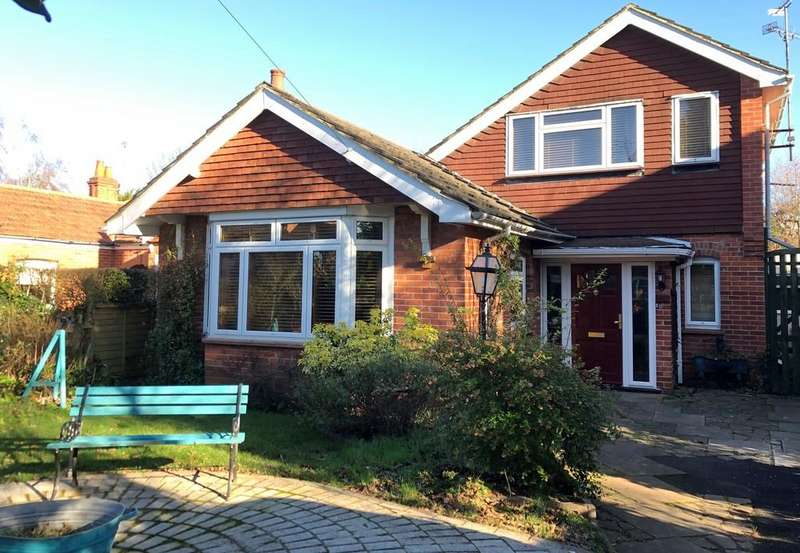 3 Bedrooms Detached Bungalow for sale in Kidmore Road, Caversham, Reading
