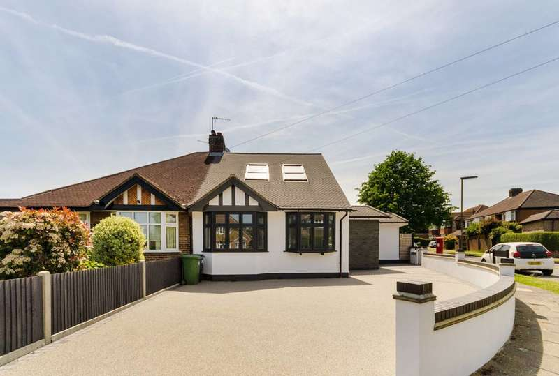 4 Bedrooms Semi Detached House for sale in Stoneleigh Crescent, Stoneleigh, KT19