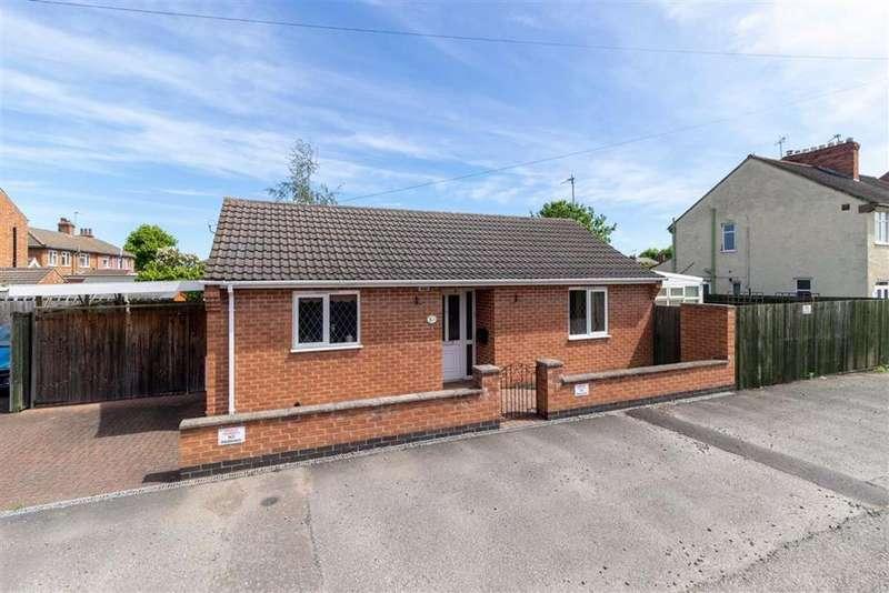 2 Bedrooms Detached Bungalow for sale in Carington Street, Loughborough, LE11