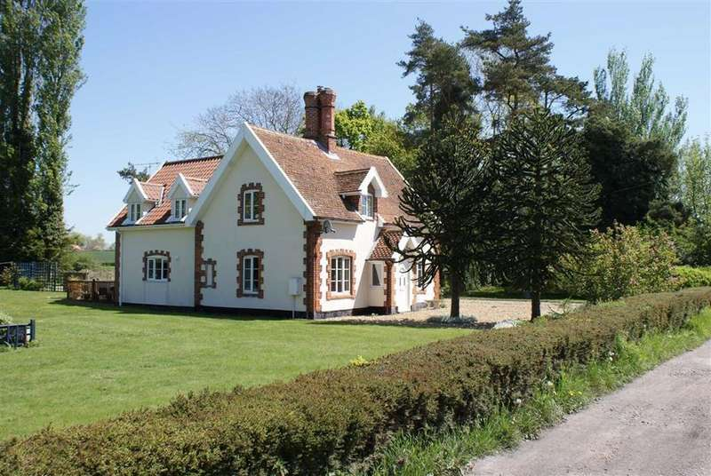 4 Bedrooms Detached House for sale in Rettery Cottages, Hoxne Road, Eye, Suffolk