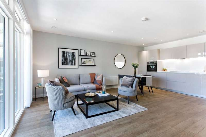 3 Bedrooms Flat for sale in Lansbury Square, Canary Wharf, London, E14