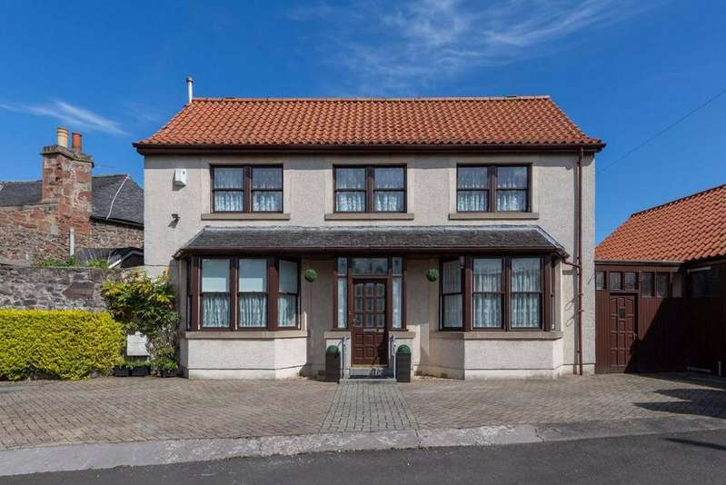 3 Bedrooms Detached House for sale in High Street, Auchtermuchty, Fife