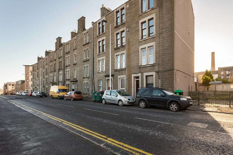 1 Bedroom Flat for sale in Strathmore Avenue, Dundee, Angus, DD3 6RY