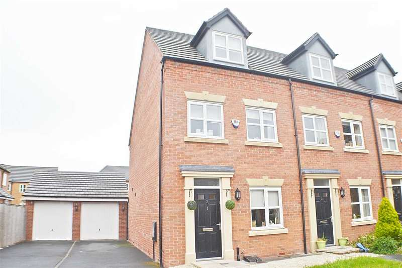 3 Bedrooms Town House for sale in Moniven Close, Latchford, Warrington