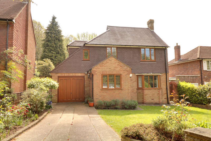 4 Bedrooms Detached House for sale in Ballards Way, Croydon, CR2 5RG