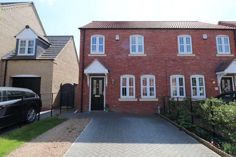 3 Bedrooms Semi Detached House for sale in Rutland Avenue, Lincoln, Lincolnshire, LN5