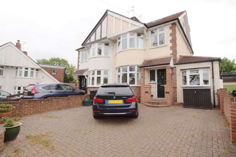 4 Bedrooms Semi Detached House for sale in Staneway, Ewell Village, KT17