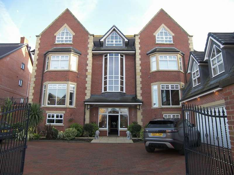 6 Bedrooms Detached House for sale in Victory Boulevard Lytham Lytham St Annes