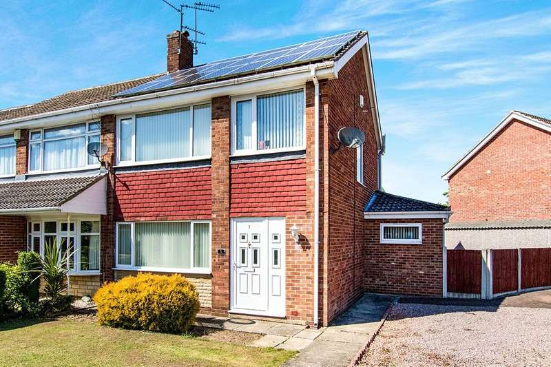 3 Bedrooms Semi Detached House for sale in Monsal Dale, North Hykeham, Lincoln, LN6