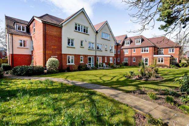 1 Bedroom Flat for sale in Emsworth, Hampshire