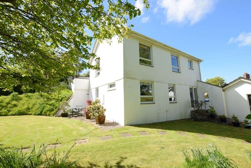 4 Bedrooms Detached House for sale in Callestick, Truro